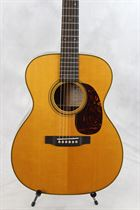Martin (new) 000-28EC Eric Clapton Acoustic Guitar in Natural